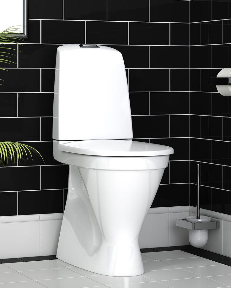 Toalettstol Nautic 1546 är städvänlig och har minimalistisk design.