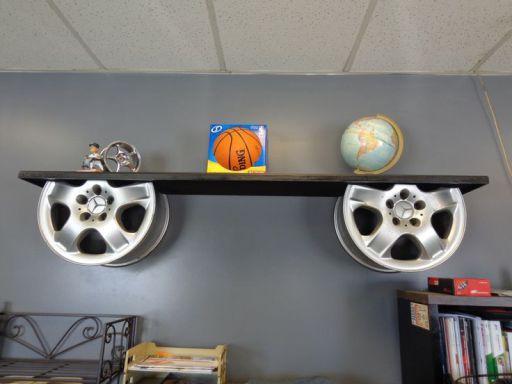 Burada sizlere otomotiv parçalarından yapılan güzel dekorları göstereceğiz. Sehpadan masaya, sandalye den duvar süsüne kadar ne ararsanız bu bölümlerde bulabilirsiniz. Sizlerde otomotiv parçalarınd…