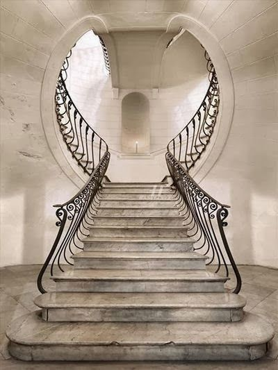 These railings give the stairs so much character!