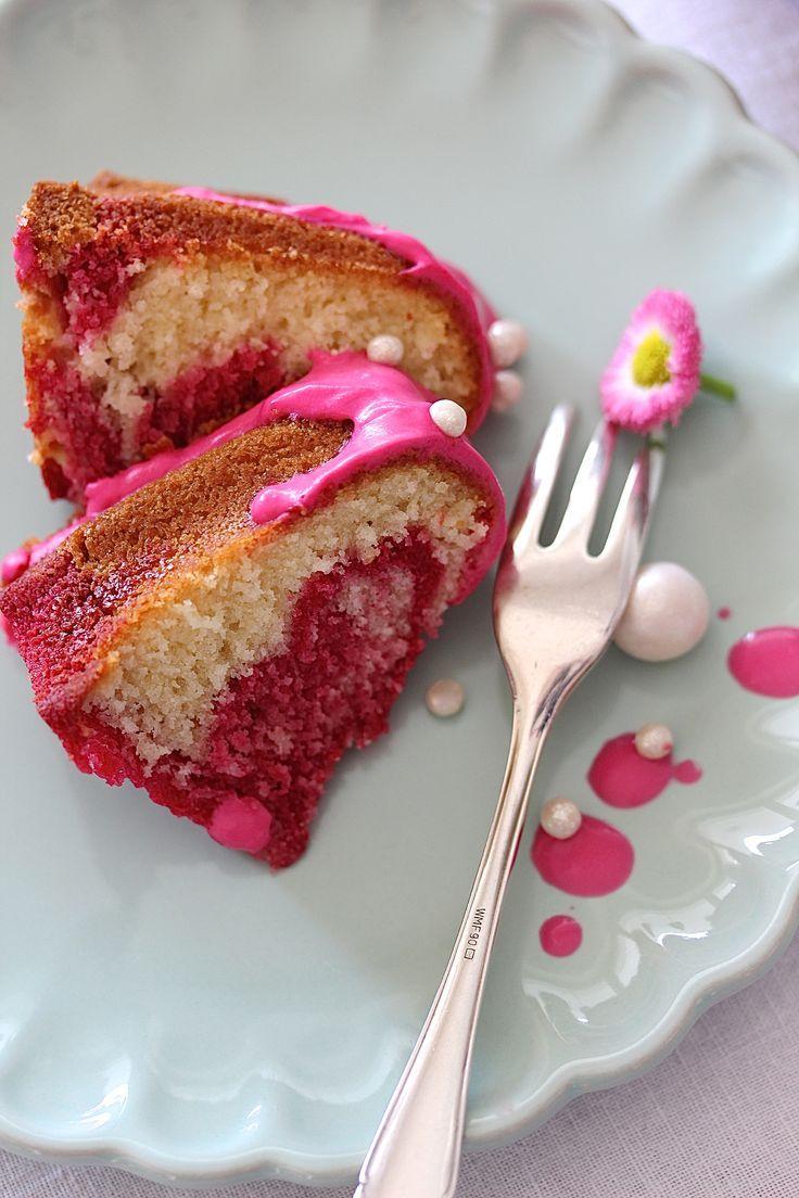 Raspberry marble ring cake recipe bake cake sponge cake birthday #gugelhupf