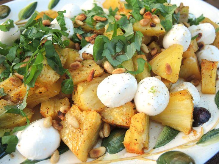 Gegrillter Ananas-Salat mit Mozzarella