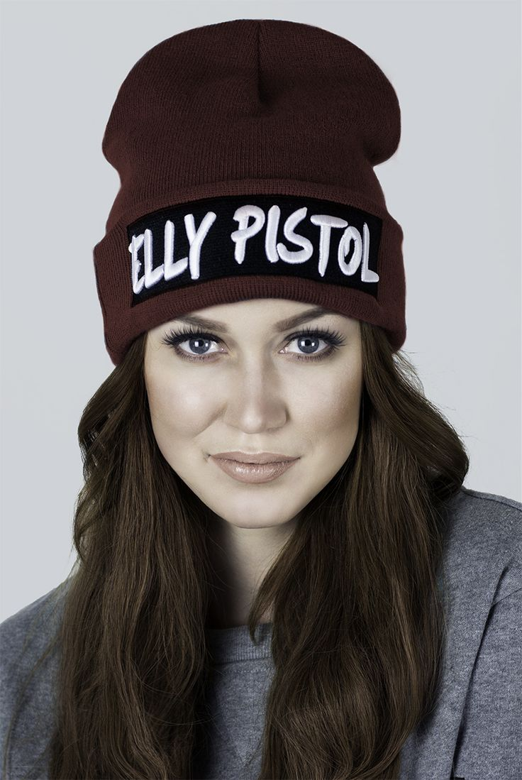 Wine red winter beanie from Elly Pistol. Accessories, hats, beanies
