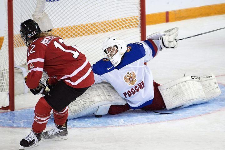 """Женская сборная России по хоккею выиграла """"бронзу"""" на чемпионате мира. В поединке за третье место наши девушки победили Финляндию 1:0. Учитывая, что в финале играют США и Канада, то, получается, лучшие в Европе хоккеистки - россиянки"""