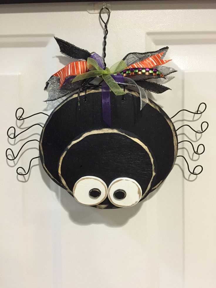 Halloween spider door hanger