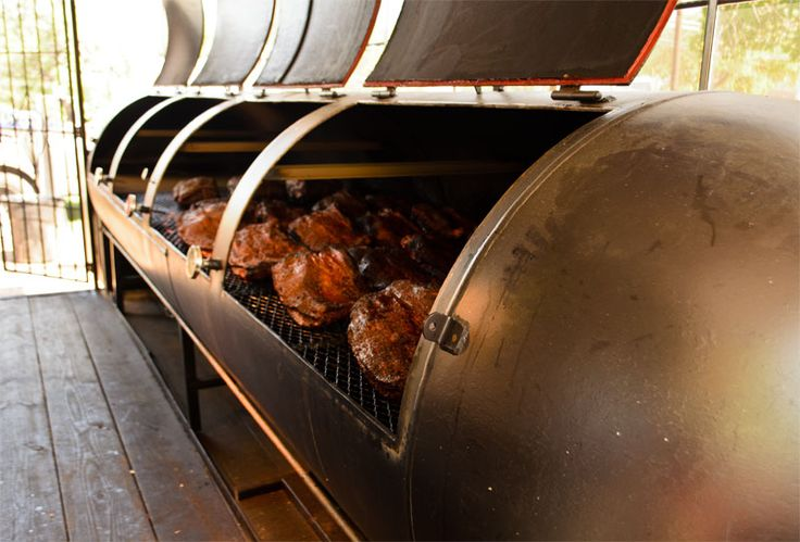 La Barbecue Turns Up the Heat With Secret Pit Technology: Is this special new smoker a brisket game-changer? - Food Blog - The Austin Chronicle