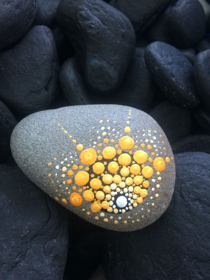 www.etsy.com/shop/thegirlwithpaint Painted beach stones, hand painted clocks, mandala art and more gorgeous handmade homewares!!