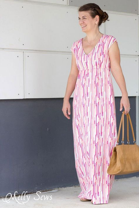 Love this! Must make - Striped Maxi Dress with free pattern - sew a maxi dress for women - 30 Days of Sundresses - Melly Sews
