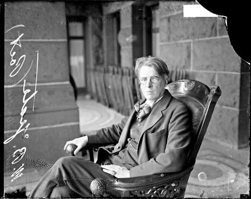 yeats a great irish poet William butler yeats occupies a dominant position in the lives and work of the  irish poets who followed him we will explore some of that poetry, and consider.