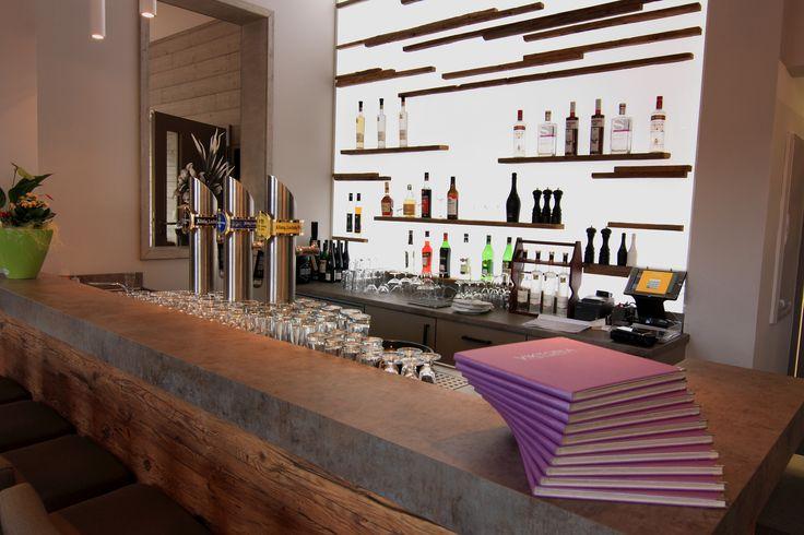 Thekenbereich im Viktoria Restaurant