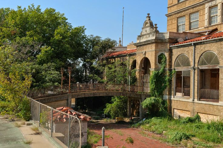 17 Best Images About Baker Hotel On Pinterest Shag Carpet Prickly Pear Cactus And Visual Arts