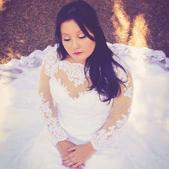 Beleza para noivas por mim Modelo: @brunacagawa  Fotografia: @thiagojavier  Figurino: @santrixnoivas #makeup #makeupartist #bride #bridedress #flatoutfabulous #maccosmetics #makeupbycamilacarrafa