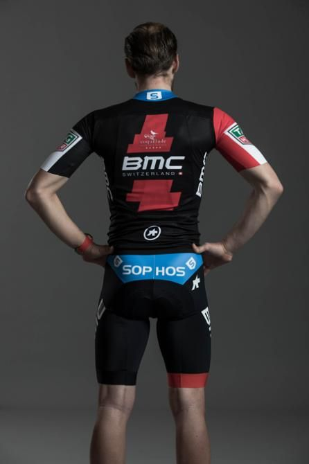 BMC Racing kit for 2018. The new jersey has a blue collar ... a1296bf99