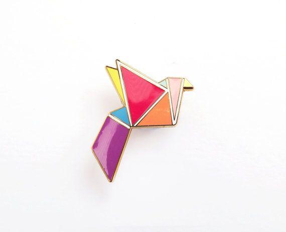 Broche géométriques néon forme d'oiseau - Boutique: SketchInc, Etsy - La Fiancée du Panda blog Mariage et Lifestyle