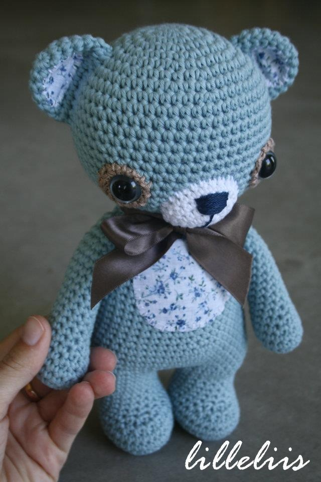 Like the blue for this bear