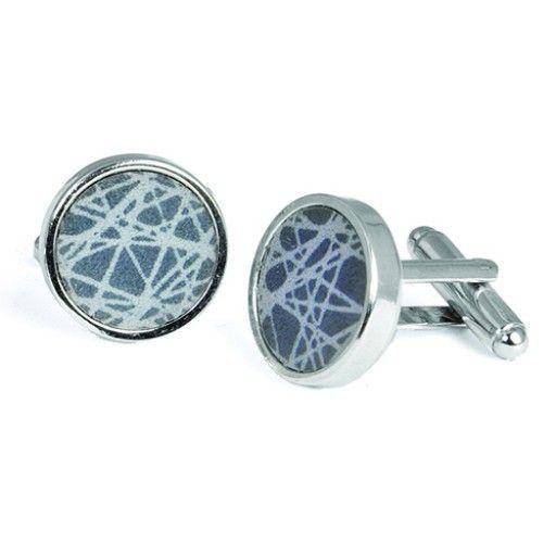 Virrvarr cufflinks, by Sägen. #virrvarr #cufflinks #grey #steel #gifts #graduation #student #nordicdesigncollective