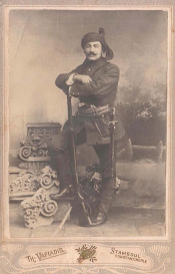 [Ottoman Empire] A Soldier Photo (Bir Osmanlı Asker Fotoğrafı)