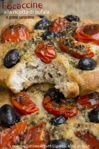 #focaccine con #mozzarella di #bufala con #olive #pomodorino  http://www.glutenfreetravelandliving.it/gffd-ricette/