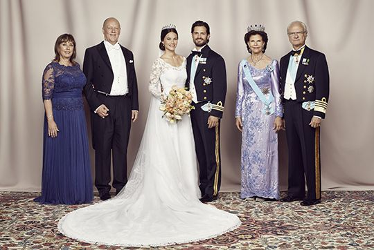 kungahuset.se:  Wedding of Prince Carl Philip of Sweden and Sofia Hellqvist, June 13, 2015-the Bride and Groom with their parents Erik and Marie Hellqvist and King Carl Gustaf and Queen Silvia