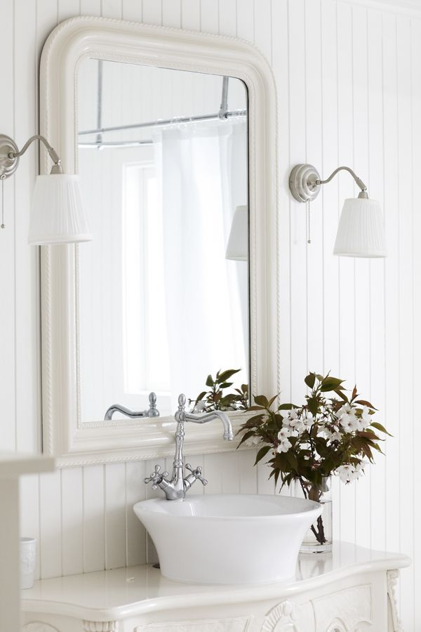 11279 best white decor images on pinterest bathroom for Bathroom decor country style