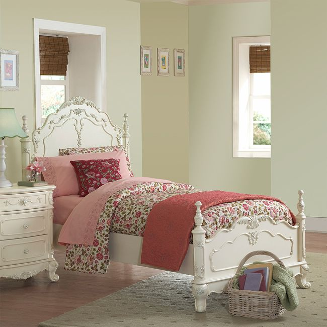 This Fairytale Collection full-size bed is a little child's dream. This kids' furniture set features Victorian styling with floral motif hardware, ecru painted finish and traditional carving details that create the feeling of a princess.