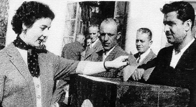 3 Nisan 1930 tarihinde kabul edilen 1580 sayılı Belediye Kanunu'yla kadınlar belediye seçimlerinde seçme ve seçilme hakkı elde etmişler, böylece Türk kadını siyasal haklar bakımından erkekle eşit bir konuma gelmiştir.