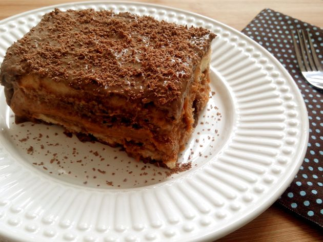 Pavê delicioso de doce de leite com chocolate (sem lactose e sem glúten)