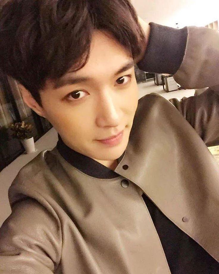 Consulta esta foto de Instagram de @zyxjsk_hansol • 358 Me gusta | Suho. Exo. Luhan