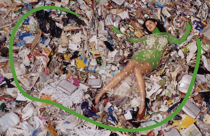 Bukti Komitmen Stella akan Sustainability Tampak pada Kampanye Fall 2017 : ELLE Indonesia