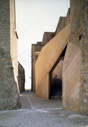 IBIZA CASTLE RENOVATION by JOSÉ ANTONIO MARTÍNEZ LAPEÑA  &  ELÍAS TORRES  ARCHITECTS