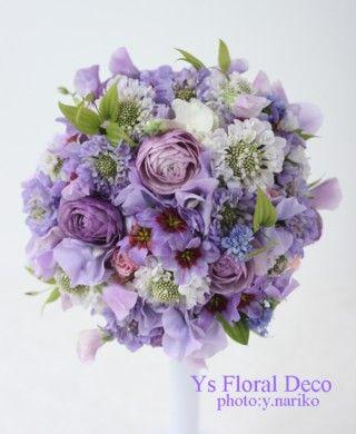 ナチュラルな紫色のラウンドブーケ @アニヴェルセル表参道 ys floral deco