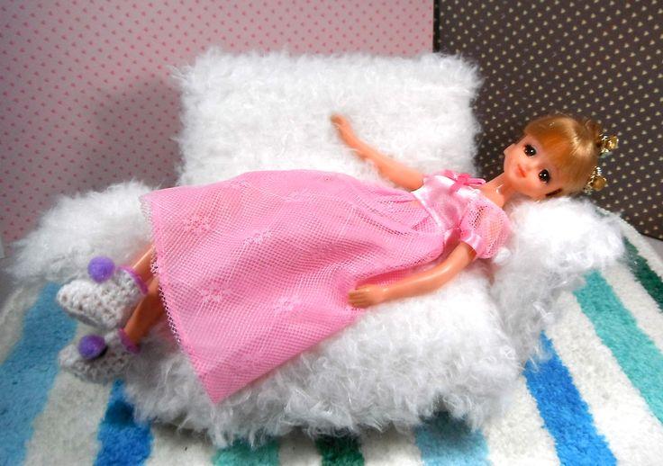 (^^)♡ このリラックス感 おすすめ。 ウイング付きのソファー。