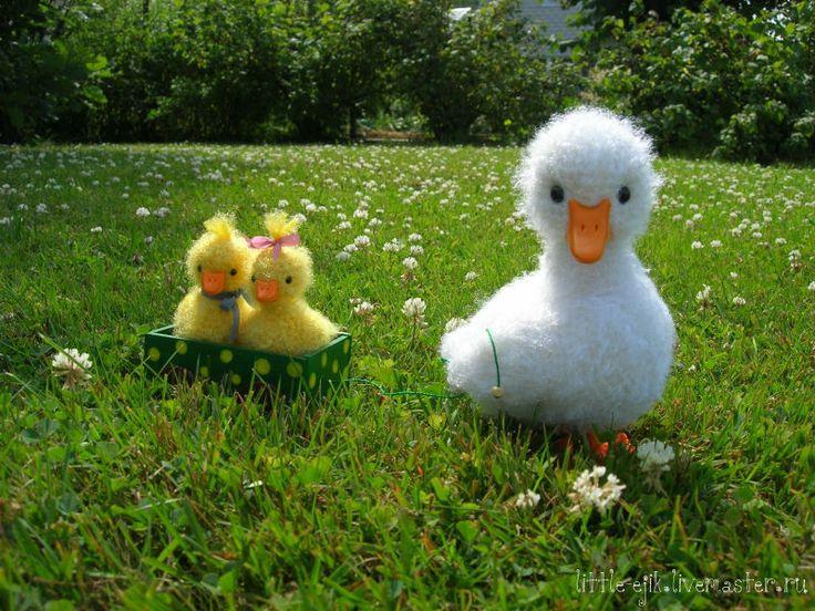 Купить Утка с утятами - белый, желтый, зеленый, утка, утята, уточка, семья…