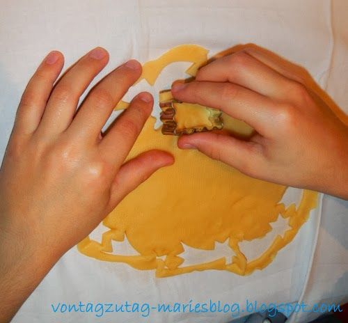 @vontagzutagmari Kekse backen mit Kindern. Ein Rezept, das auch mit kleinen Kindern immer gelingt. http://vontagzutag-mariesblog.blogspot.com