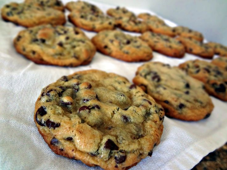 The Cooking Actress: Chewy Chocolate Chip Cookies + Tropical Traditions Gold Label Virgin Coconut Oil