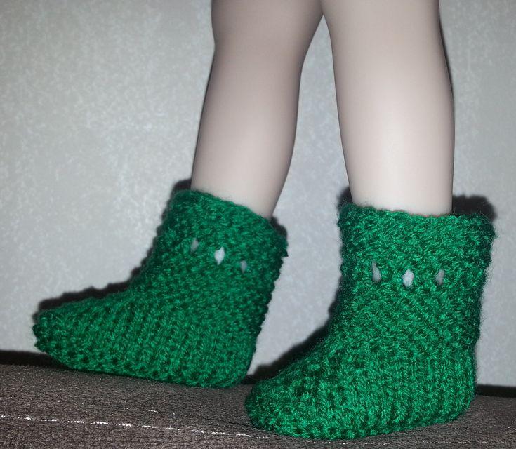 Tuto chaussons pour poupée 40 - 50 cm - http://tout-le-bonheur-du-monde.eklablog.com/tuto-chaussons-pour-poupee-40-50-cm-a115214654
