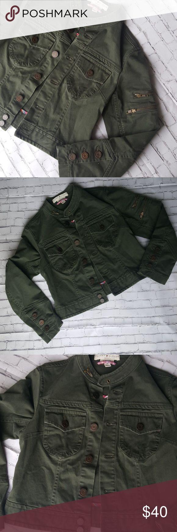 Tommy Hilfiger Army green stretch Military jacket Tommy Hilfiger Army green fitted stretch Military Jacket/Blazer size 6P 98% cotton 2% spandex Tommy Hilfiger Jackets & Coats Blazers