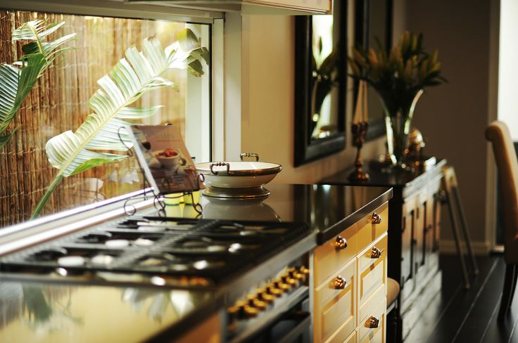 Hampton Style Homes Oven, by the team at nhbb.com.au