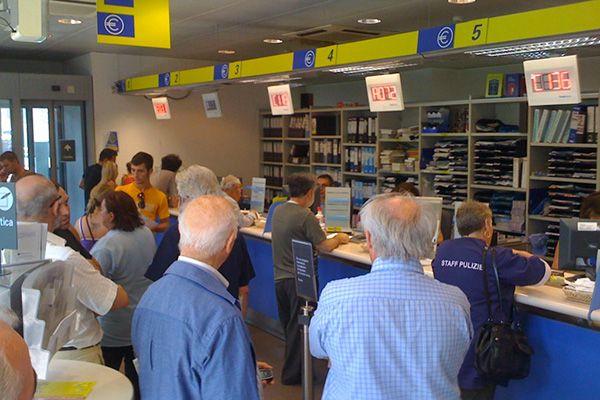 L'ex amministratore delegato di Poste Italiane, Massimo Sarmi, congedato con una corposa buonuscita: quattro annualità di stipendio da direttore...