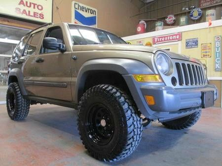top 25 ideas about 2005 jeep liberty on pinterest jeep. Black Bedroom Furniture Sets. Home Design Ideas