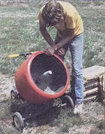 If you occasionally have to pour cement, building a low-budget homemade cement mixer will save you time and money in the long run. Originally published as
