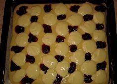Propadáváný koláč s povidly a tvarohem | NejRecept.cz