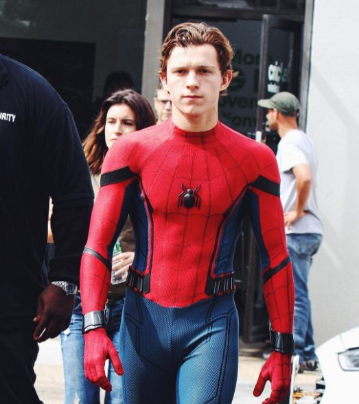 25+ best ideas about Tom holland abs on Pinterest | Tom ...
