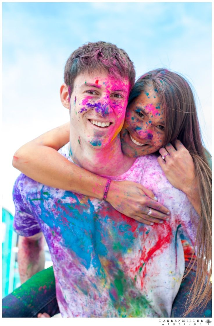 5 Ideas de utilería para la sesión de fotos en pareja: Polvos de colores | El Blog de una Novia | #fotos #novios