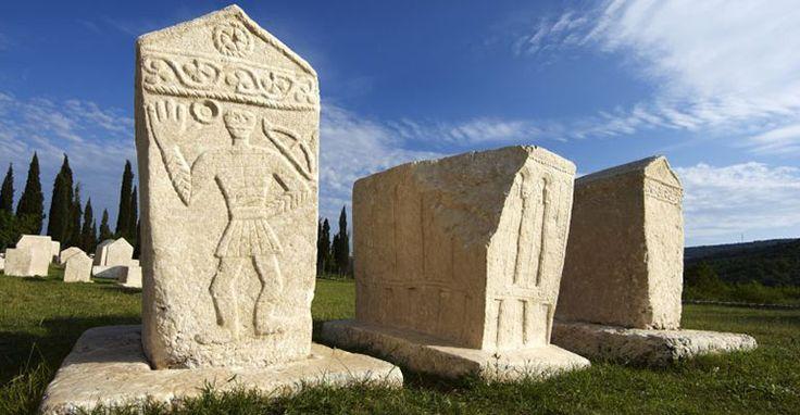 Bosnian Medieval Tombstones Stećci | Slavorum