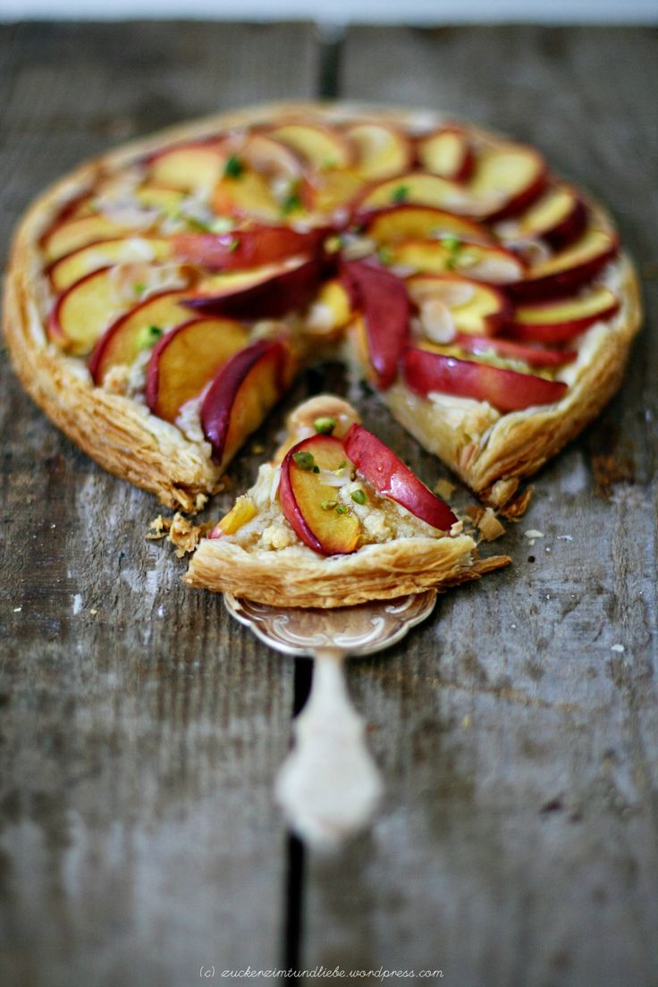 nectarine & pistachio tart - stunning colors, great DOF, love the movement