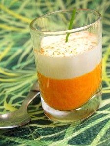 Une petite idée recette que j'ai prise sur le site culinaire « Cuisine AZ » et que j'ai faite à ma façon. Pour 6 personnes Préparation : 20 minutes Cuisson : 15 minutes Pour la crème de carottes : · 3 carottes · 1 oignon · 2 c à s de lait · 10 cl de crème...