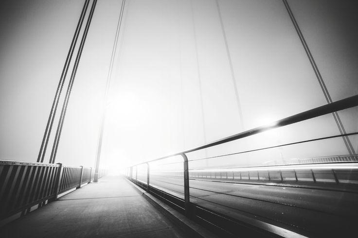 Golden Gate Bridge Path ➤ DOWNLOAD by click on the picture ➤ #Architecture #Bridge #California #Sun #GoldenGateBridge #Minimalistic #BlackAndWhite #Shining #RoomForText #SanFrancisco #Simple  #Endless #Usa #freestockphotos #picjumbo