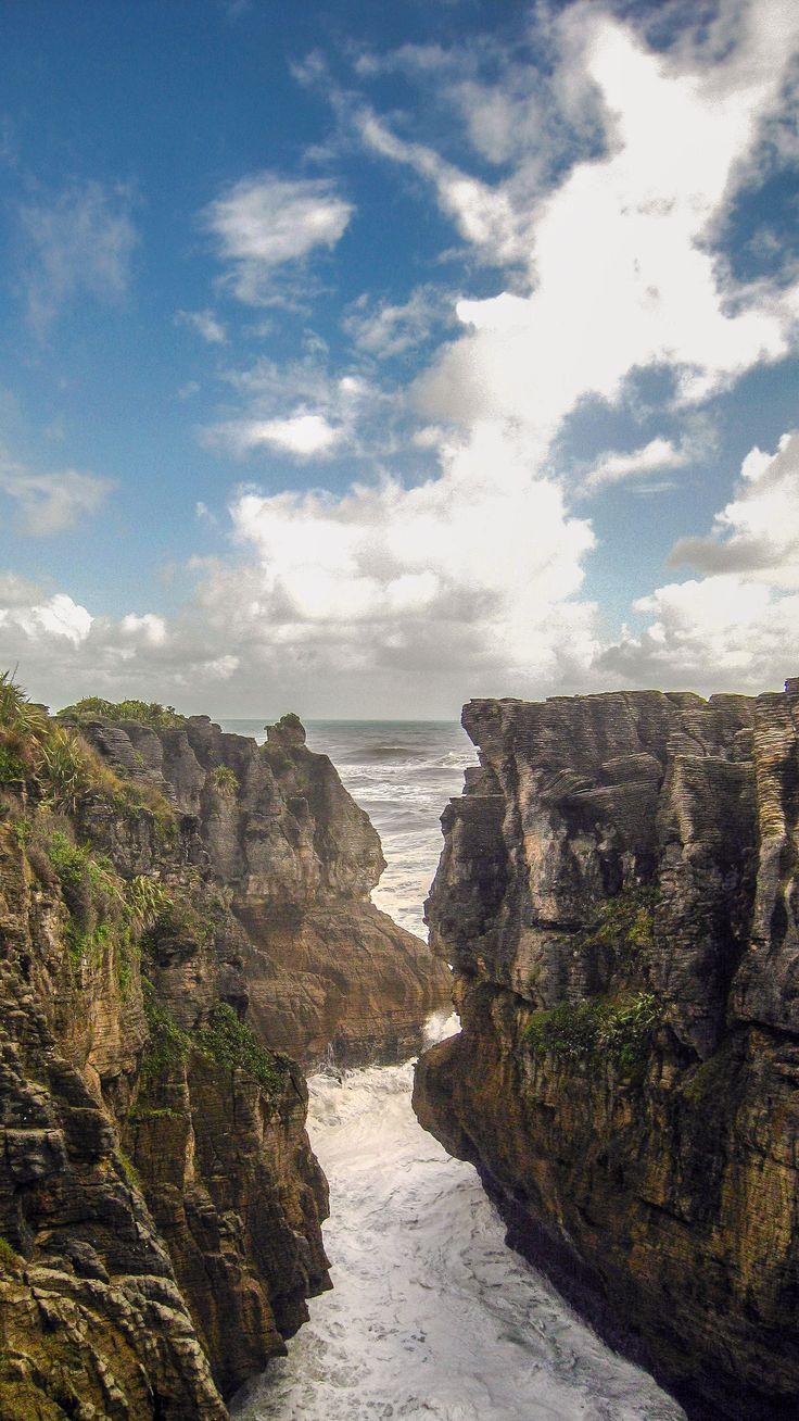 Gaze in wonder: Pancake rocks, Punakaiki, New Zealand.