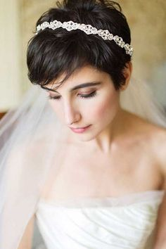 peinados de novia para las chicas con pelo corto