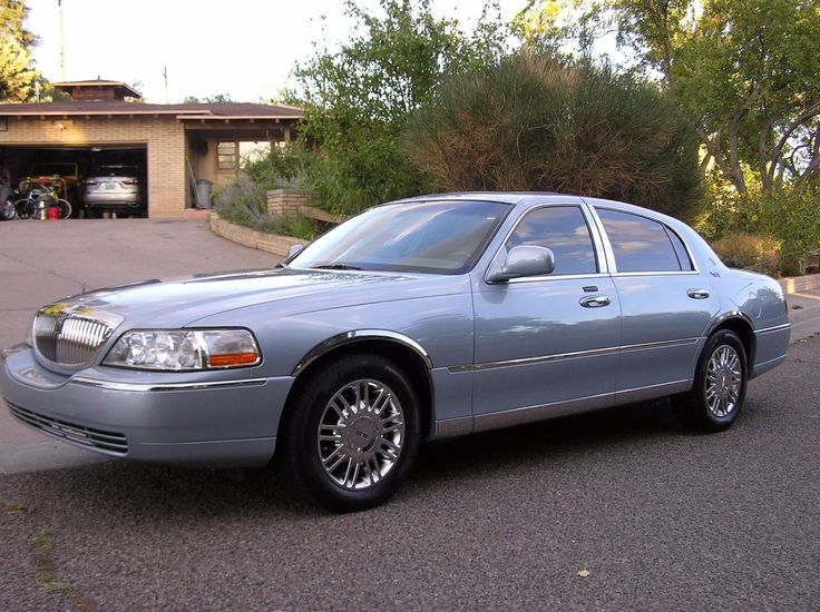 Awesome Amazing 2006 Lincoln Town Car Signature Limited 2006 Lincoln Town Car,32k original miles,gorgeous looking and in mint condition. 2017/2018 Check more at http://car24.ga/my-desires/amazing-2006-lincoln-town-car-signature-limited-2006-lincoln-town-car32k-original-milesgorgeous-looking-and-in-mint-condition-20172018/